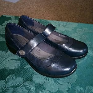 Soft Style Mary Jane Hush Puppies Size 9 Navy